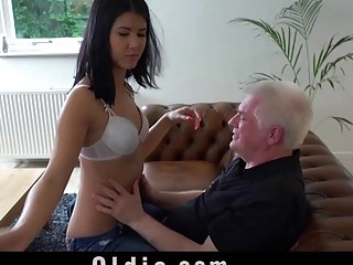 Old Young Porn Hot 18 Years Old Virgin Sex With Ol